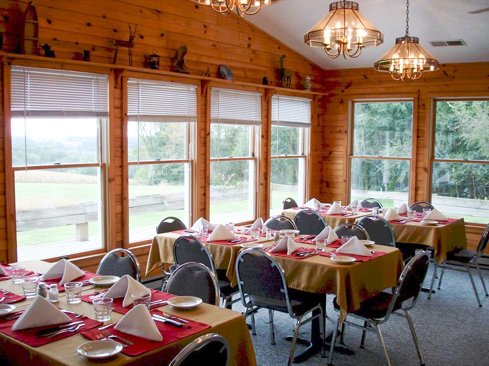 Dining Room at Black Bear Lodge North